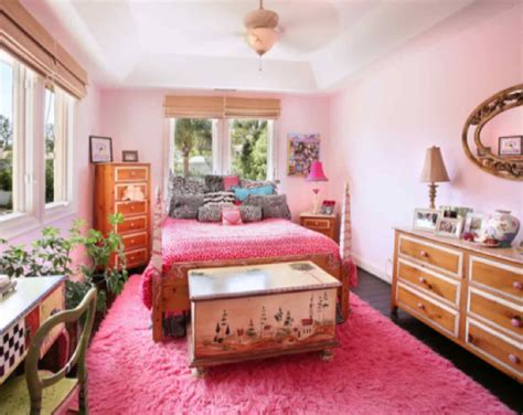 Bedroom With Pink Color That Looks Beautiful And Gorgeous