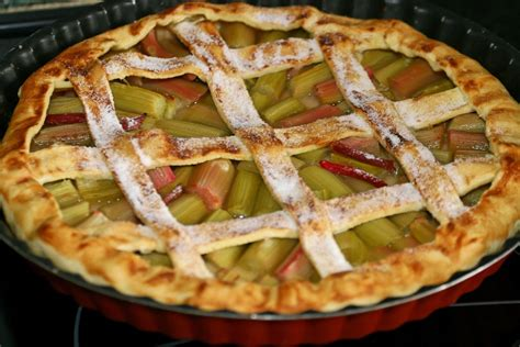 recette de la tarte 224 la rhubarbe pratique fr