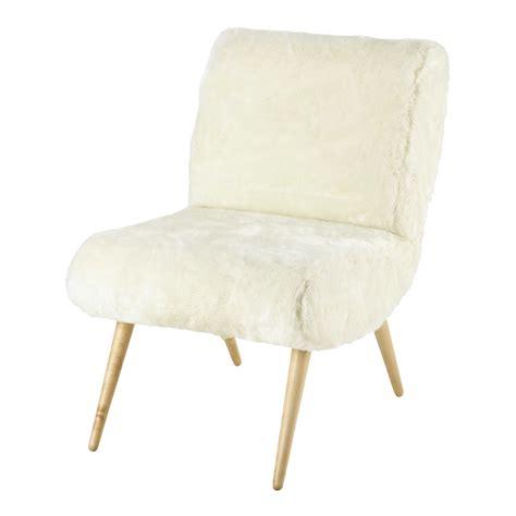fauteuil vintage en fausse fourrure ivoire cosmos maisons du monde