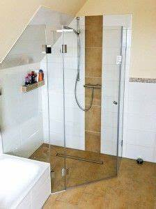 Dusche In Dachschräge Einbauen : ganzglasdusche in dachschr ge bad pinterest dachschr ge badezimmer und b der ~ Markanthonyermac.com Haus und Dekorationen