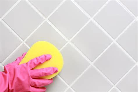 des astuces naturelles pour bien nettoyer les joints de carrelage