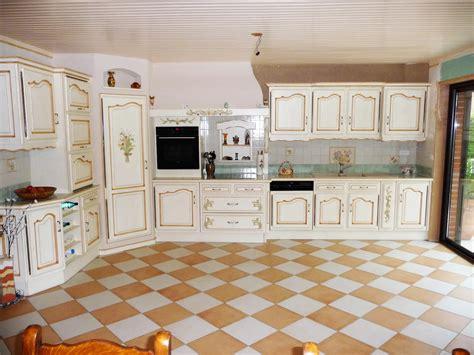 free cuisine provenale en chne cuisines liebart with carrelage cuisine provencale photos