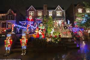 New York's most extravagant Christmas lights are in ...