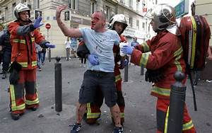 New Yorker Kaiserslautern : england fan fighting for his life and dozens more injured as english fans and russian thugs ~ Markanthonyermac.com Haus und Dekorationen