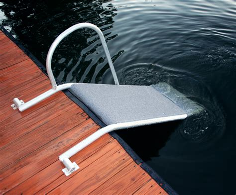 Boat Shop Dog by K9 Aqua R Wet Steps