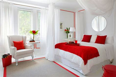 Sexy And Romantic Bedroom Decorating Ideas