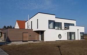 Engelhardt Und Geissbauer : einfamilienhaus modern holzhaus flachdach garage mit flachdach holzfassade modern balkon modern ~ Markanthonyermac.com Haus und Dekorationen