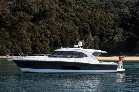 Boats Online Riviera by New Riviera 445 Suv Power Boats Boats Online For Sale