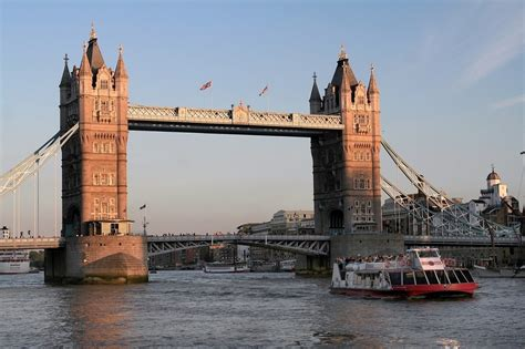Boat Trip From Tower Of London To Greenwich by 12 Brilliant London Boat Trips To Take Right Now Best