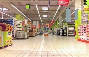 gb217christmas_sc037_supermarket_final - Downtown 93