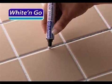 nettoyer les joints de carrelage au sol et mural astuces