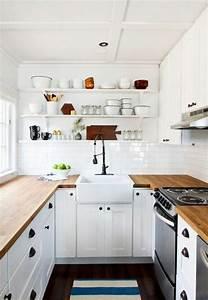 Stauraum Kleine Küche : kleine k che einrichten landhausk che mit viel stauraum wall shelfs pinterest kleine ~ Markanthonyermac.com Haus und Dekorationen