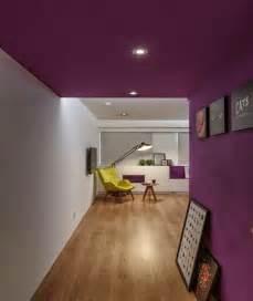 peindre un plafond avec une peinture couleur d 233 co