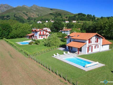 a louer maison avec piscine chauffee pyr 233 n 233 es atlantiques 677605 abritel